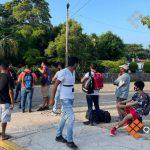 Arranca con fila de 400 metros cuarto día de vacunación en Zihuatanejo